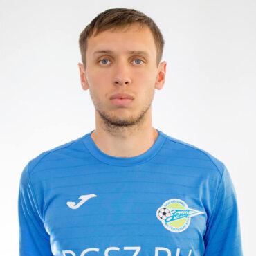 Артем Леднев